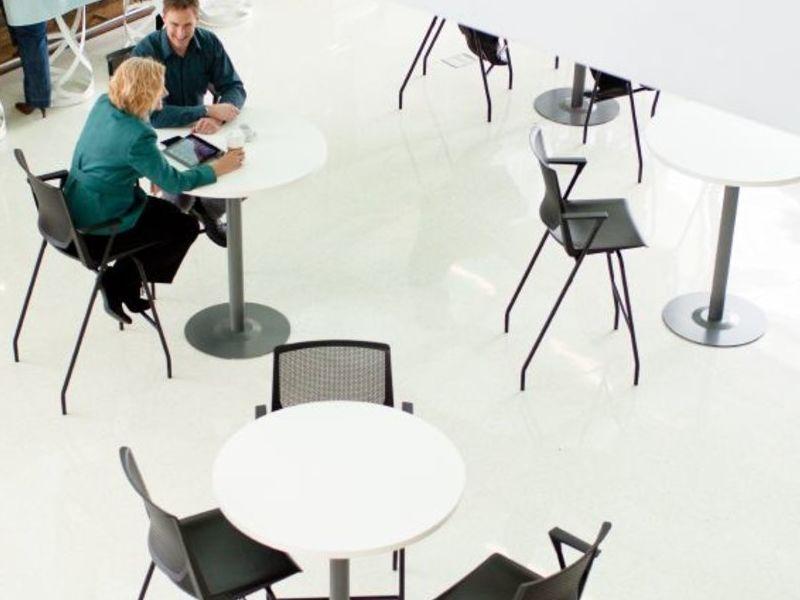 VERY SIDE stool