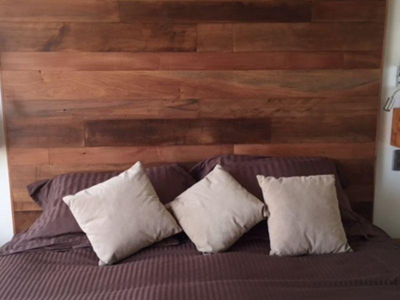 Respaldos de cama de  madera