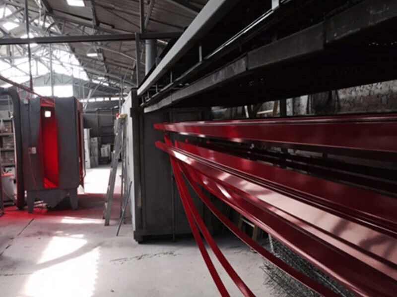 Instalación de estructuras de aluminio